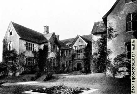 [Picture: Sydenham House, Devon (front view with garden and entrance)]