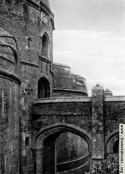 [Picture: St Mawes Castle, Cornwall: The Gateway]