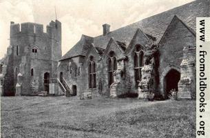 [picture: Stokesay Castle: The Courtyard]